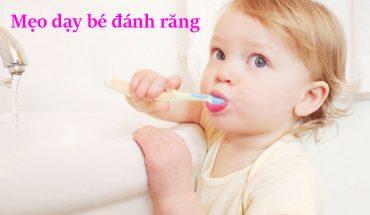 Mẹo dạy bé đánh răng