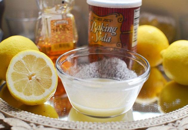 Tẩy trắng răng tại nhà bằng baking soda